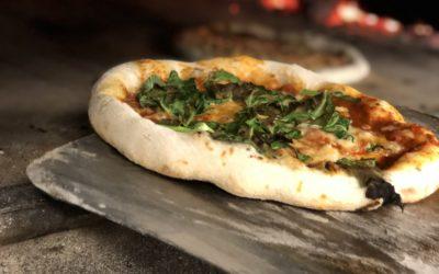 Onlinebokning av våra kvällar med vedugnsbakad pizza